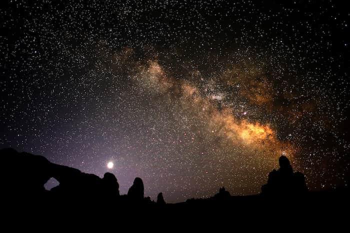 Arches-Night-Sky-by-Tom-Redd